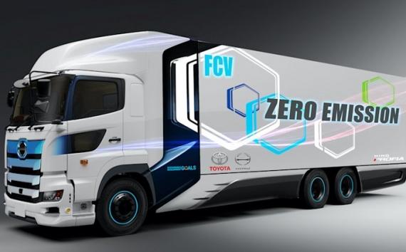 Üzemanyagcellás teherautót mutatott a Toyota
